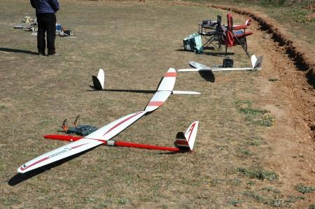 Mi Crossfire 2. Hace un año que tengo que pintar el fuselaje...